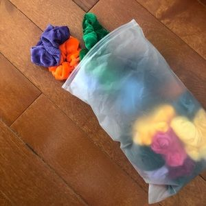 Bag of Assorted Scrunchies✨